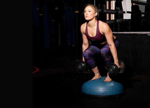 Ronda Rousey shows us her training and workout routine to be a inspiration to women