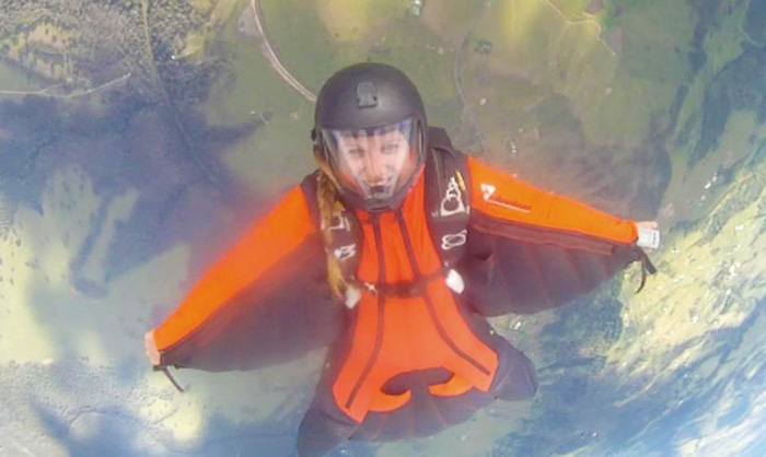 Learning to wingsuit
