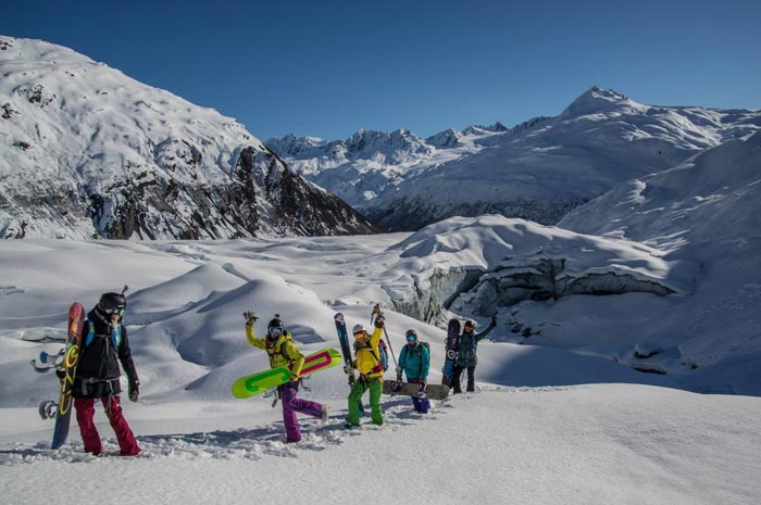 Girls heli week in Alaska with Points North