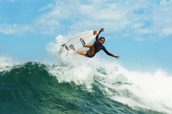 Surfer Philippa Anderson want your help to get on the world tour