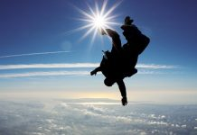 Skydiving become a tandem skydive instructor